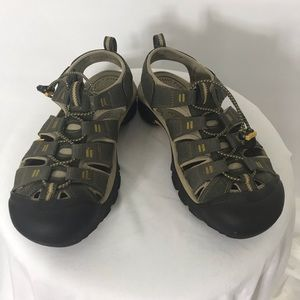Keen Anti Odor Anatomic Sandals Sz 10.5 GUC